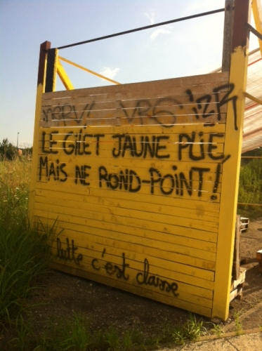 #macron,#gj ; gilets jaunes,ronds-points